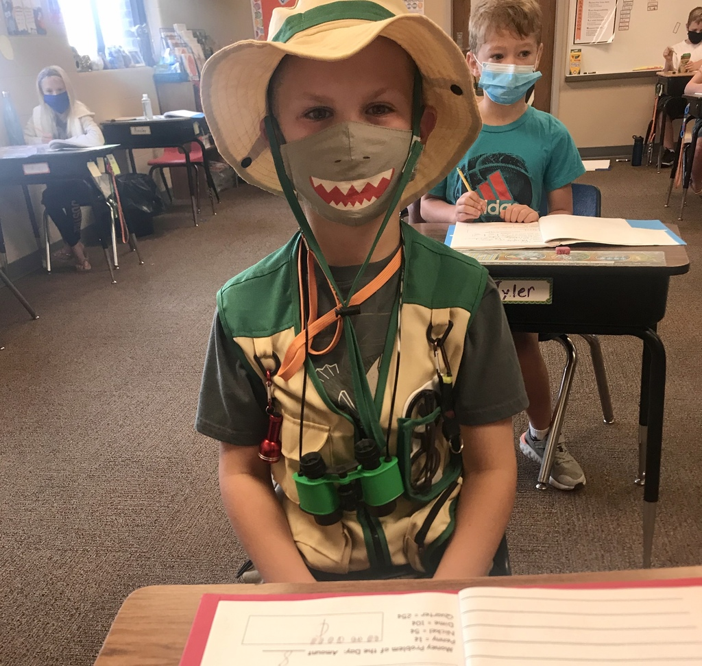 Dressing up for Jungle Day !
